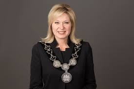 Photo of No physical distancing circles coming to Mississauga parks, Mayor Bonnie Crombie says